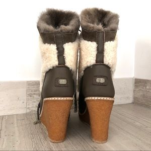 Australia Luxe Collective Shoes - NWOT Mid Calf Wedge Shearling Snow Boot